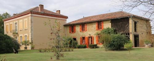 Le Gîte du Mandarin : Guest accommodation near Arrouède