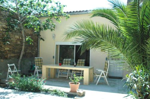 L'amigeste : Guest accommodation near Pouzols-Minervois