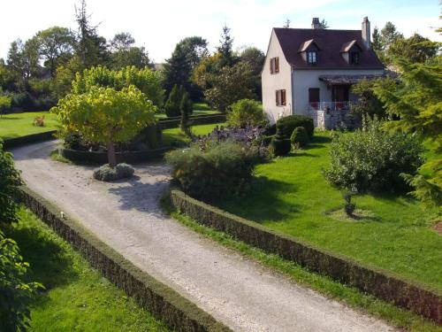 la serre : Guest accommodation near Saux