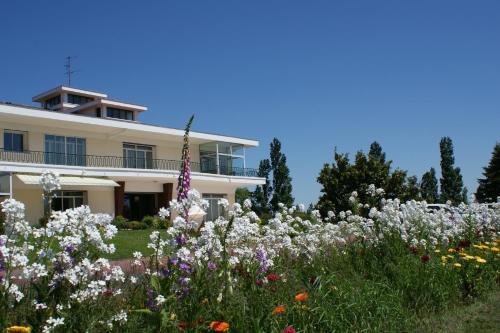 Villa Ayrault : Bed and Breakfast near Gourgé