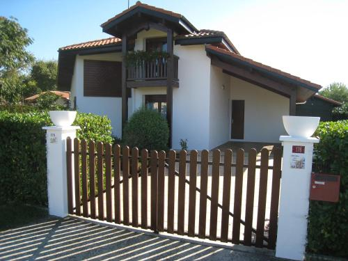 Maison typique landaise moderne : Guest accommodation near Uza