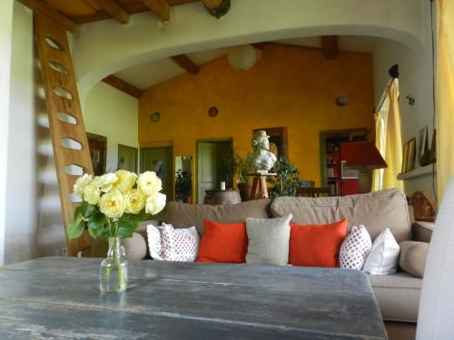Maison d'artiste : Guest accommodation near Gargas