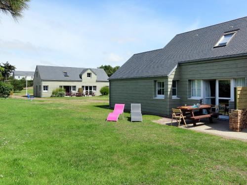 Ferienwohnung Créances 311S : Guest accommodation near Laulne