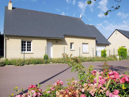 Ferienhaus Portbail 407S : Guest accommodation near Neufmesnil