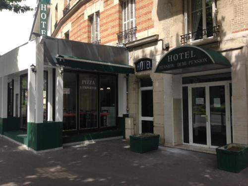 Le Grand Albert 1er : Hotel near Joinville-le-Pont