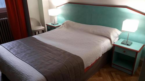 Hôtel Le Boulevard : Hotel near Roquefère