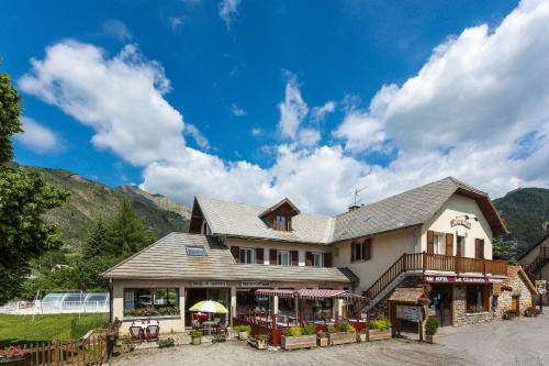 Hotel restaurant Le Chamois : Hotel near Rambaud