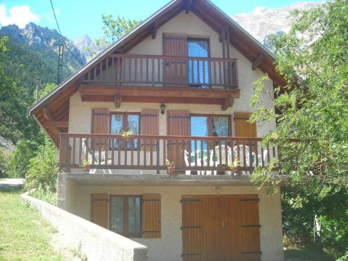 Chalet de l'Olan : Guest accommodation near Beaufin