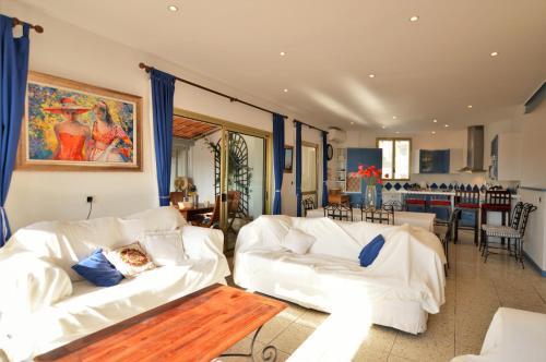 Bellevue Real Estate : Apartment near Villefranche-sur-Mer