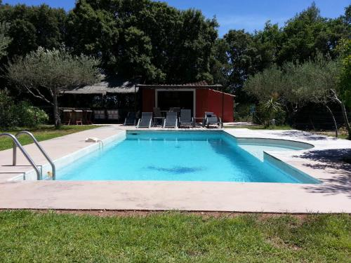 Le Mas des Oliviers : Bed and Breakfast near Rocbaron
