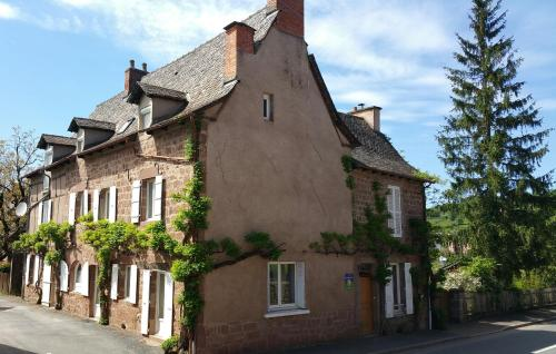 Couvent de Nauviale : Bed and Breakfast near Pruines