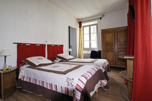 Auberge de Mens : Hotel near Mayres-Savel