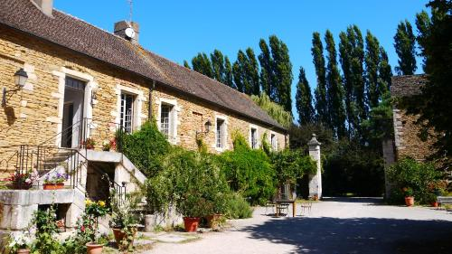 Domaine De Nesvres : Bed and Breakfast near Montagny-lès-Buxy