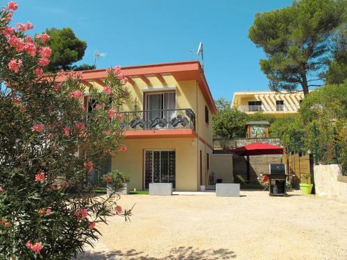 Ferienwohnung Carnoux-en-Provence 110S : Apartment near Aubagne