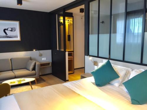 Les Voyageurs : Hotel near Milizac