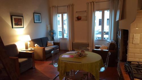 Le Balcon des Cardeurs : Apartment near Aix-en-Provence
