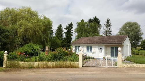 la ferme aux kangourous : Guest accommodation near Parigny-la-Rose