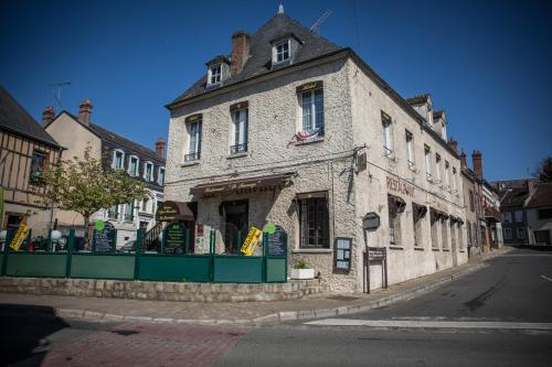 Le Sauvage : Hotel near Girolles