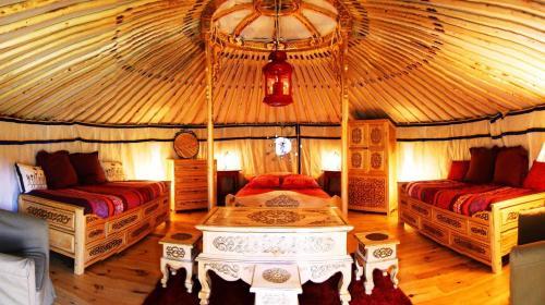 Eco Yourte Les Airelles : Guest accommodation near Sauvessanges