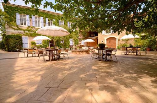 Chateau du Puits Es Pratx : Hotel near Ginestas