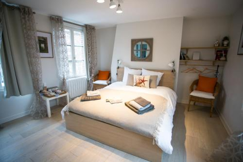 Clementine's House : Bed and Breakfast near Équemauville