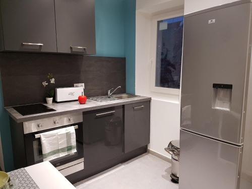 Appartements Centre ville : Apartment near Saint-Sernin-du-Bois