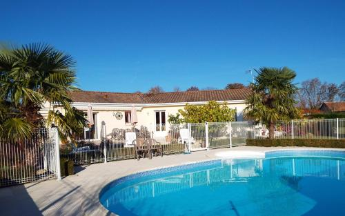 Joie de Vie : Bed and Breakfast near Criteuil-la-Magdeleine