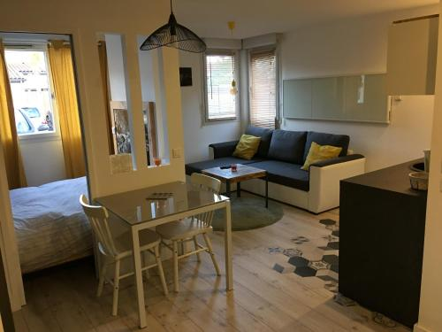 Lespinet : Apartment near Sainte-Foy-d'Aigrefeuille