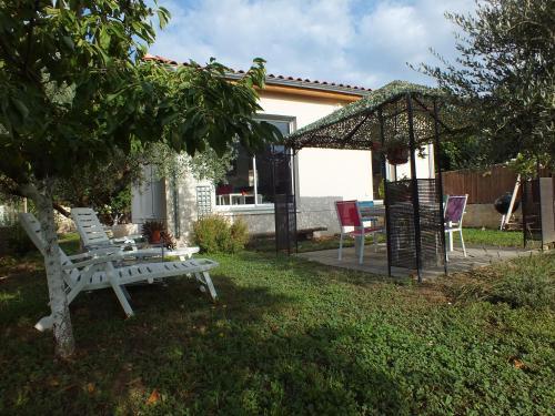 La Maison sous l'olivier : Guest accommodation near Morières-lès-Avignon