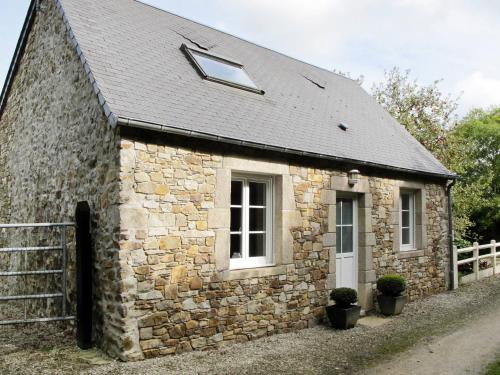 Ferienhaus Le Vretot 402S : Guest accommodation near Saint-Pierre-d'Arthéglise