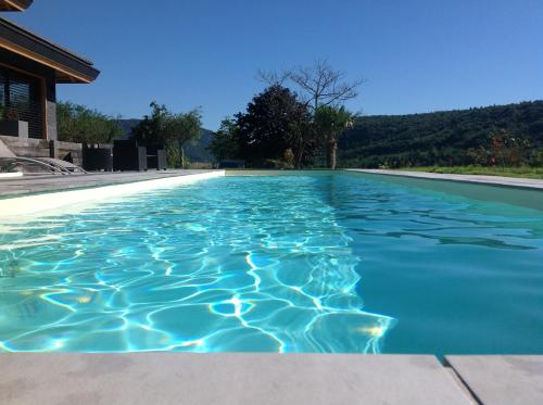 Gite la Quintessence : Guest accommodation near Franclens