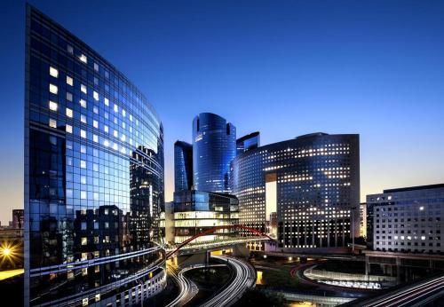 Elegant Apartment La Défense Paris : Apartment near Courbevoie