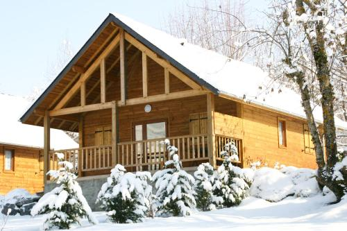 Chalets du Lac : Guest accommodation near Ayzac-Ost