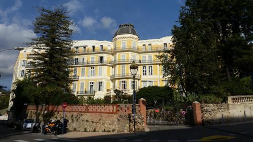 Menton ancien Palace : Apartment near Menton