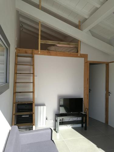 T2 meublé plein de charme entre mer et montagne : Apartment near Briscous