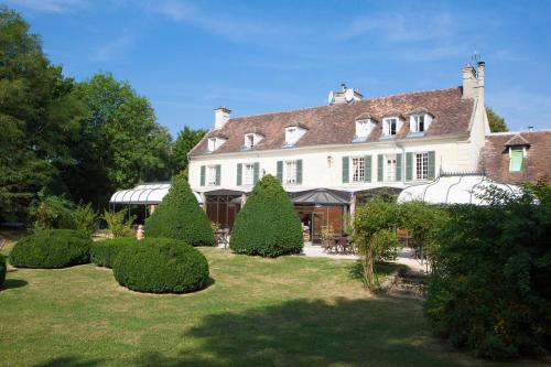 Hostellerie de Varennes : Hotel near Grisy-Suisnes
