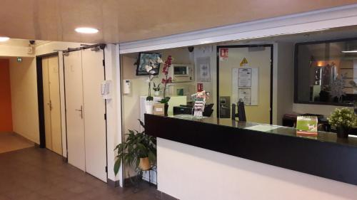 ibis budget Marne La Vallée Noisy Le Grand : Hotel near Montfermeil