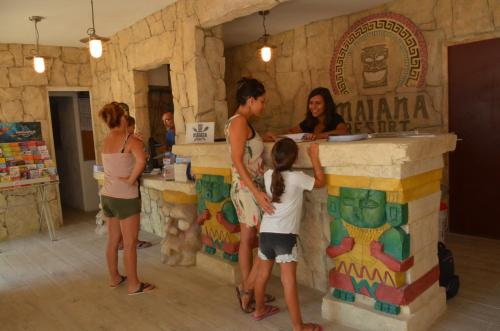 Maïana Resort : Guest accommodation near Candillargues