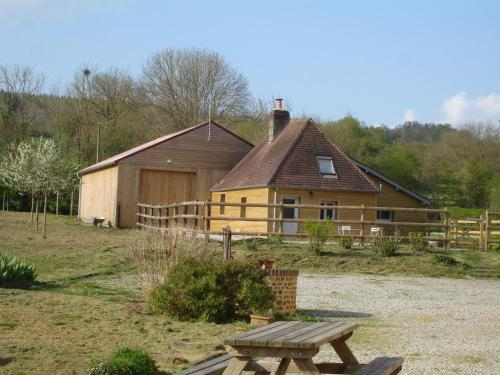 LE RELAIS DE CISAI Gîte1 : Guest accommodation near Brullemail