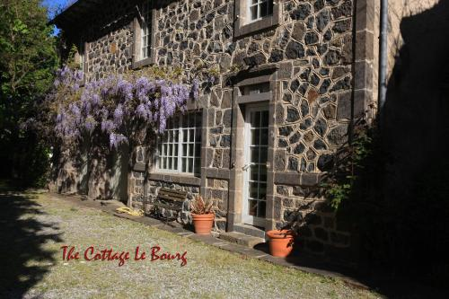 Manor House Cottage : Guest accommodation near Lieutadès