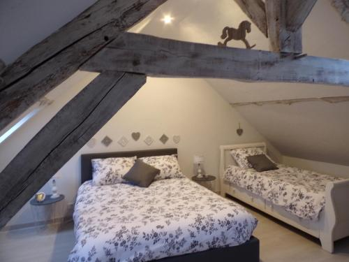 les glycines : Guest accommodation near Saint-Aubin-sous-Erquery