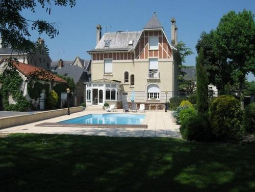 Le Pavillon de Nathalie : Bed and Breakfast near Houdilcourt