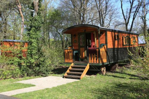 Roulottes de Bois le roi : Guest accommodation near Sivry-Courtry