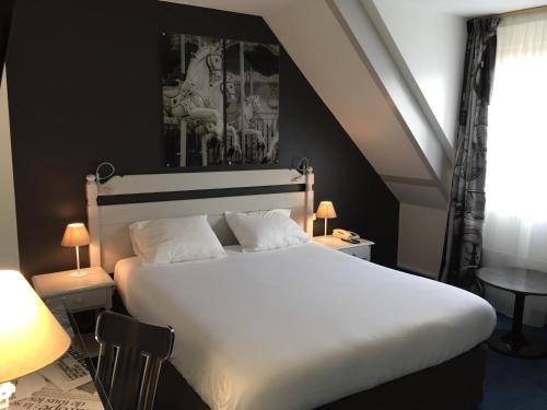 Hotel The Originals City Paris Ouest Rueil-Malmaison (ex Inter-Hotel) : Hotel near Le Vésinet