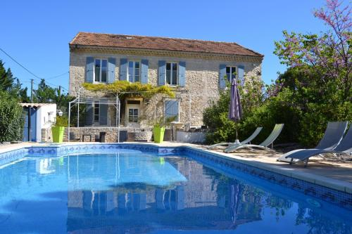 Le mas d emma : Bed and Breakfast near Pont-Saint-Esprit