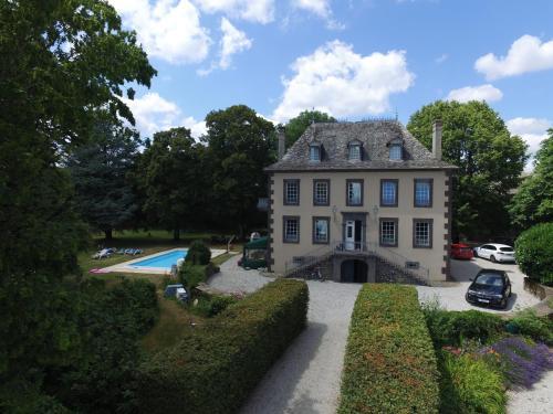 Manor House : Guest accommodation near Lieutadès