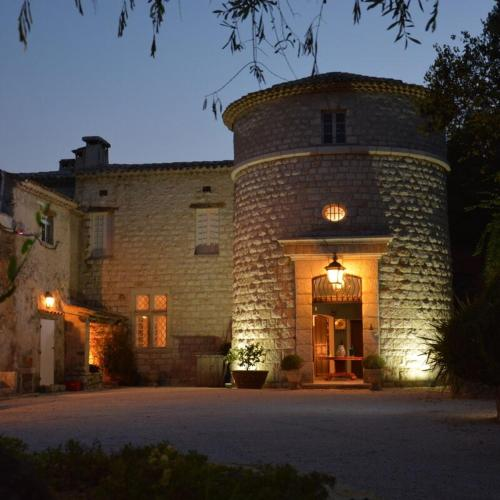 Chateau Germaine : Guest accommodation near Revest-les-Roches