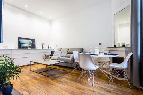 CMG Vaugirard Tour Eiffel/ Champ de Mars : Apartment near Paris 15e Arrondissement