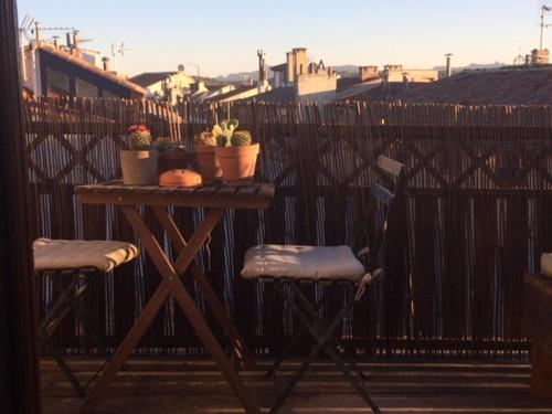 Beau duplex centre ville : Apartment near Aix-en-Provence