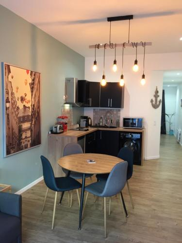 Le Capucin : Apartment near Bègles